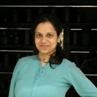 Garima Sharma, Reservoir tutor in English.