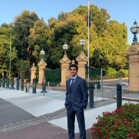 Samyak Shah, Glen Waverley tutor in VCE Maths Methods, Accounting, Chemistry.
